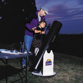 Pozorovanie Vesmíru astro teleskopom